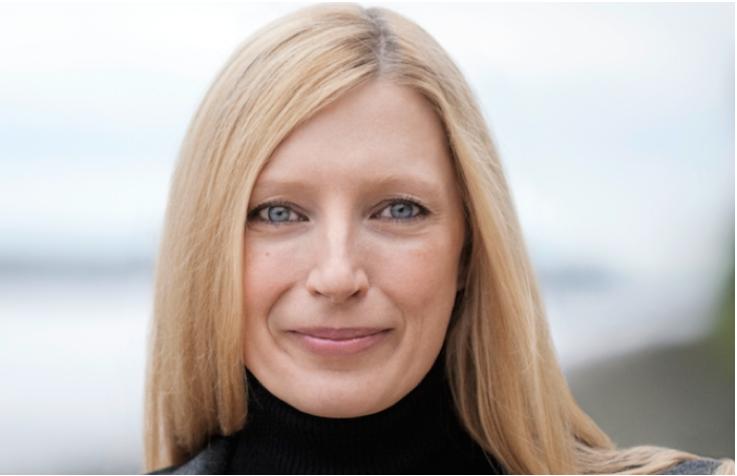 <b>Eva-Maria Bauch, Geschäftsführerin Gruner +  Jahr Digital Products</b><br><br>  Eva-Maria Bauch ist seit 2013 Geschäftsführerin bei Gruner +Jahr Digital Products, wo der der Verlag im September vergangenen Jahres sein Digitalgeschäft zentralisiert hat. Zuvor hatte sie das europäische Verbraucherportal ciao.com gegründet und war Geschäftsführerin und CEO beim RTL-Tochterunternehmen Wer-kennt-wen.de. Zuvor zeichnete sie für die Digitalaktivitäten bei Axel Springer und Bauer Media verantwortlich. Zwischen 2005 und 2007 sammelte sie Erfahrungen als Verlagskoordinatorin der Verlagsgeschäftsführung der Zeitungsgruppe Hamburg, darin enthalten u. a. das Hamburger Abendblatt . Sie studierte Informatik an der Technischen Universität München, als das noch ziemlich wenige Frauen gemacht haben.