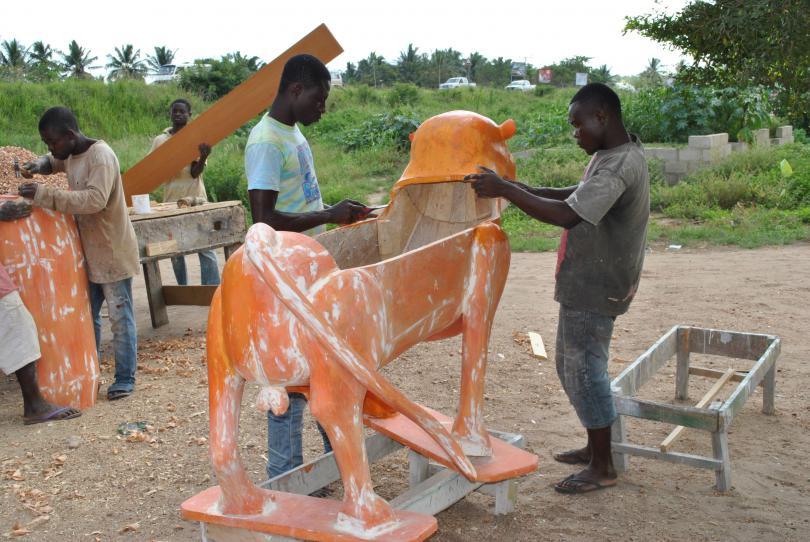 Ein Beitrag über die etwas andere Art der Sarggestaltung in Ghana.